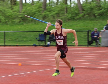 Miles Mrowiec throwing the javelin at nationals