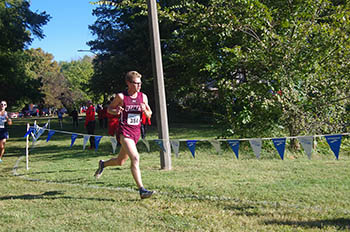 Sam Baumer running in a race